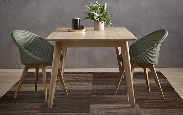 blue wall design esstisch dan. Black Bedroom Furniture Sets. Home Design Ideas