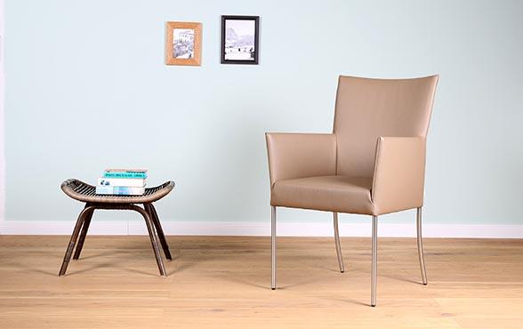 blue wall design leder stuhl belle arc mit armlehnen. Black Bedroom Furniture Sets. Home Design Ideas