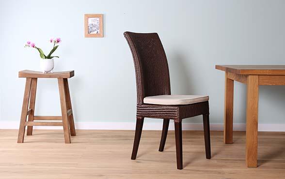 blue wall design lloyd loom stuhl bellevue. Black Bedroom Furniture Sets. Home Design Ideas