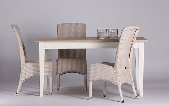 blue wall design lloyd loom stuhl chateau. Black Bedroom Furniture Sets. Home Design Ideas
