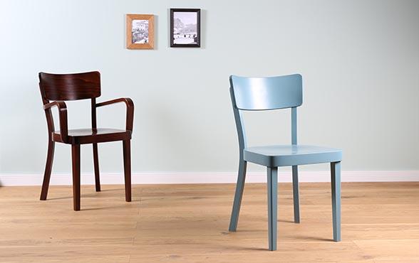 Blue wall design holzstuhl gr schlihorn for Holzstuhl klassiker