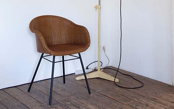 blue wall design lloyd loom stuhl avril. Black Bedroom Furniture Sets. Home Design Ideas