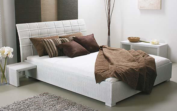 Blue Wall Design - Lloyd Loom Bett Chambre-601